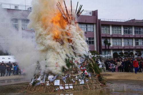どんど焼き2009-8