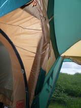 テントとタープ連結部1